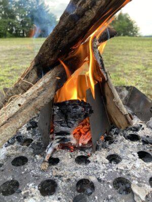 バーゴウッドストーブで火おこし